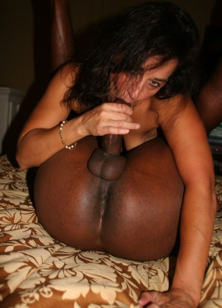 Pinky Sucking Black Dick